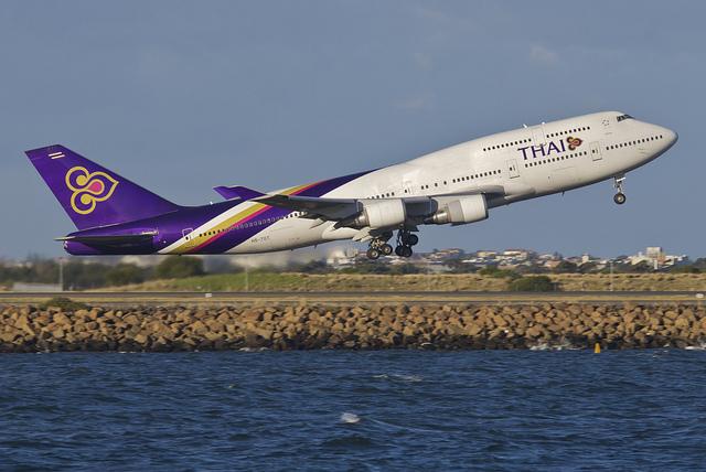 """""""Thai Airways Boeing 747-400; HS-TGT@SYD;30.07.2012/665dz"""" by Aero Icarus"""