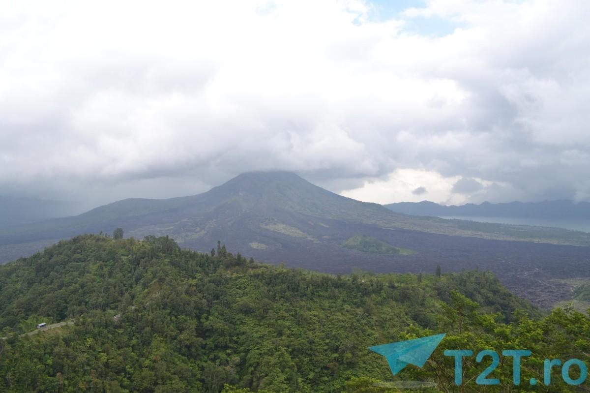 Vulcanul Batur din nordul insulei Bali