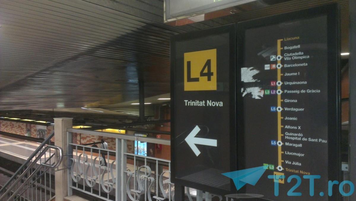 in statia de metrou Llacuna