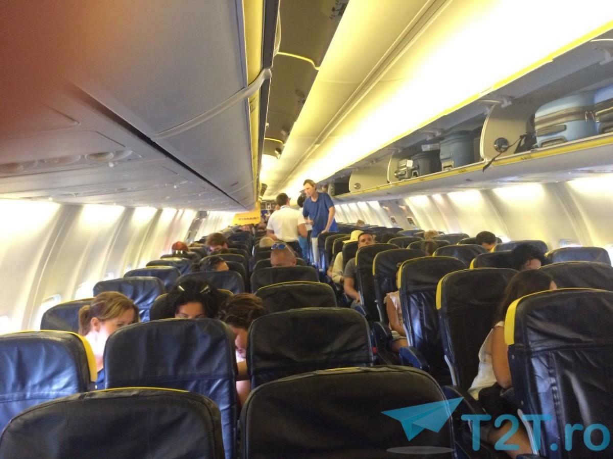 Interior avion Ryanair Boeing 737-800 (2015) ruta Barcelona - Palma de Mallorca