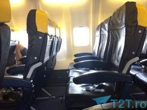 Loc picioare scaune din fata Ryanair Boeing 737-800