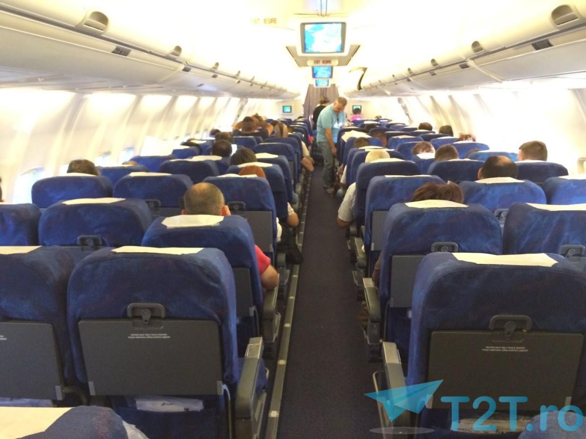 TAROM YR-BGF INTERIOR BOEIN 737-700