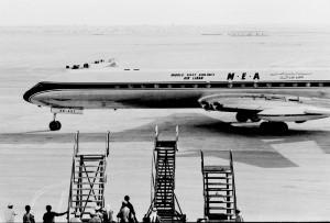 Primul avion de tip jet a aterizat in Dubai in 1965, un avion de tip Comet de la MEA