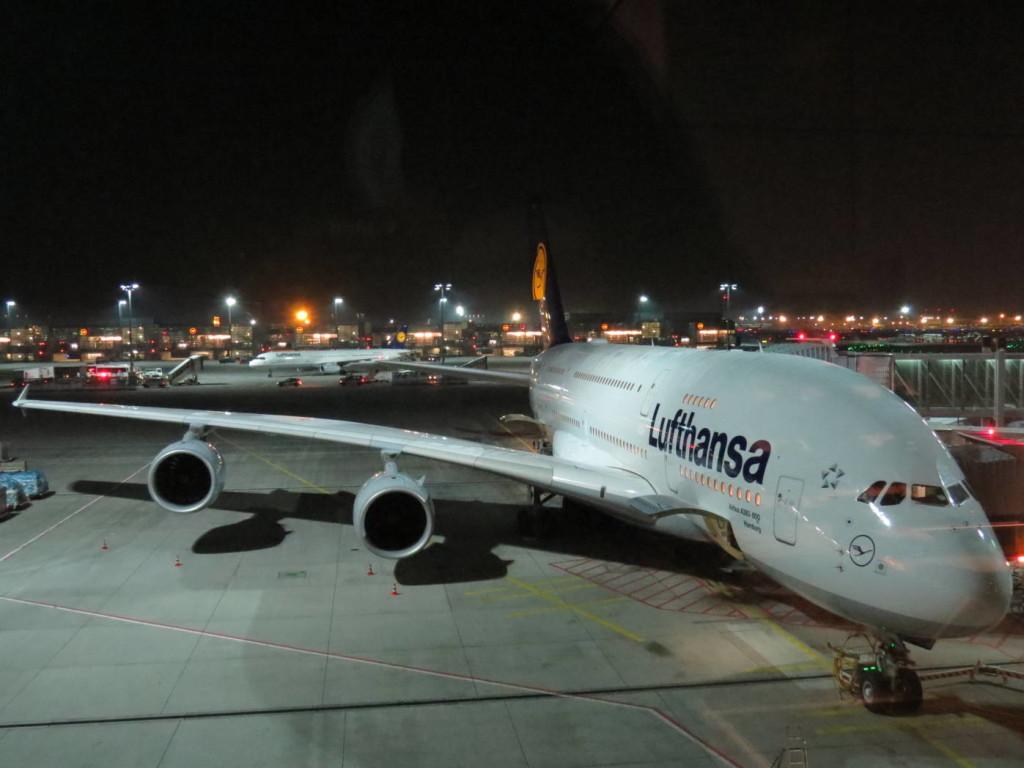 Airbus A380 - cel mai mare avion comercial de pasageri din lume