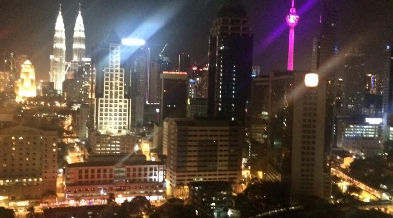Vizualizare de la etajul 21 spre Turnurile Petronas