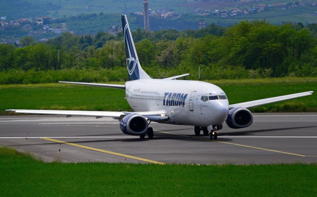 Boeing 737-300 YR-BGE TAROM Foto George Nauzmicov