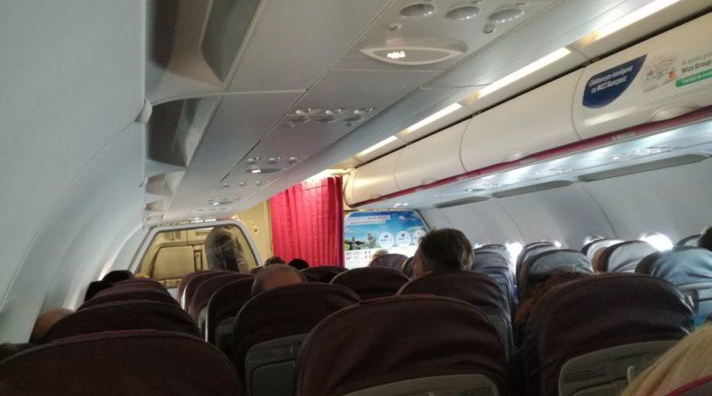 Interior Aeronavă Wizz Air Airbus A320 București - Tel Aviv