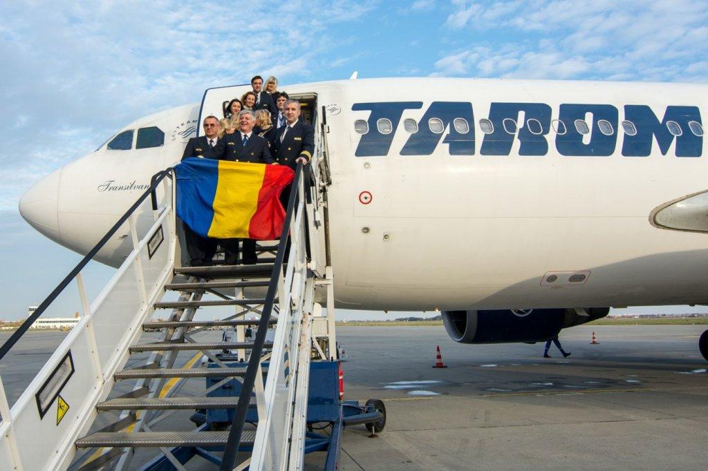 Echipajul ultimului zbor TAROM cu Airbus A310 - YR-LCA // Foto: Tudor Rădulescu