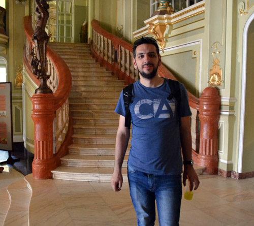 In interiorul Teatrului National...