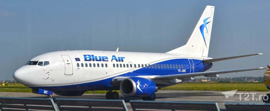 Boeing 737-500 YR-AMC Blue Air
